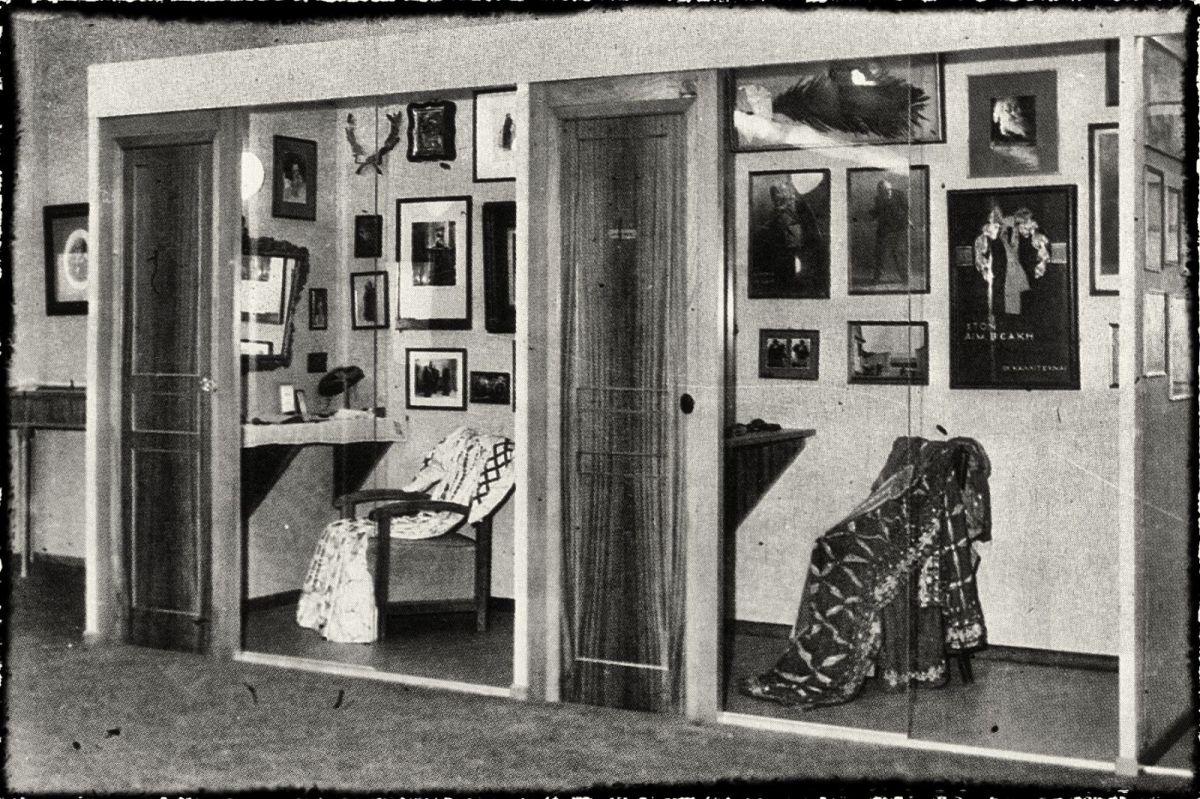 Τα καμαρίνια του Βεάκη και της Κοτοπούλη στο Θεατρικό Μουσείο.