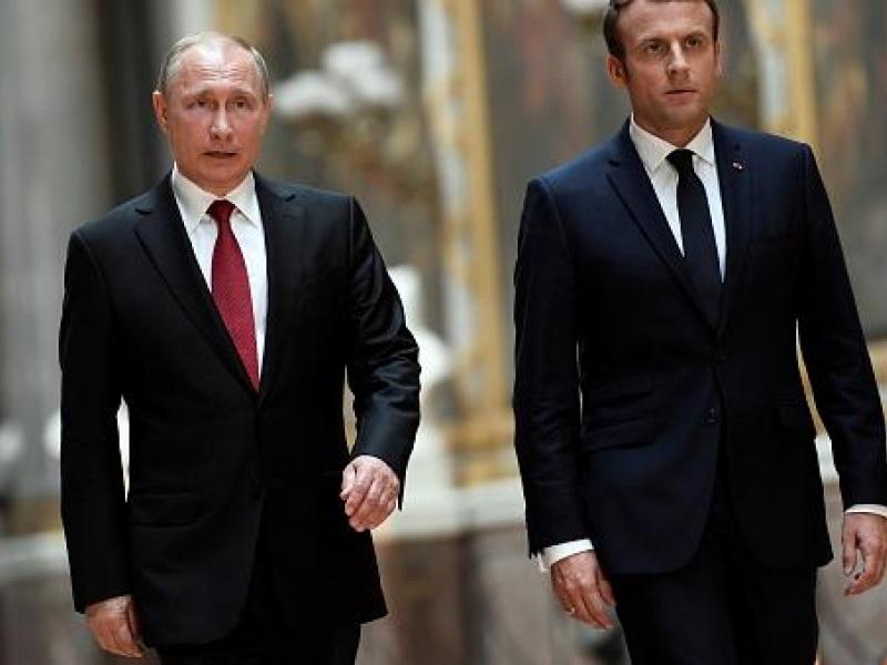 μακρόν πούτιν
