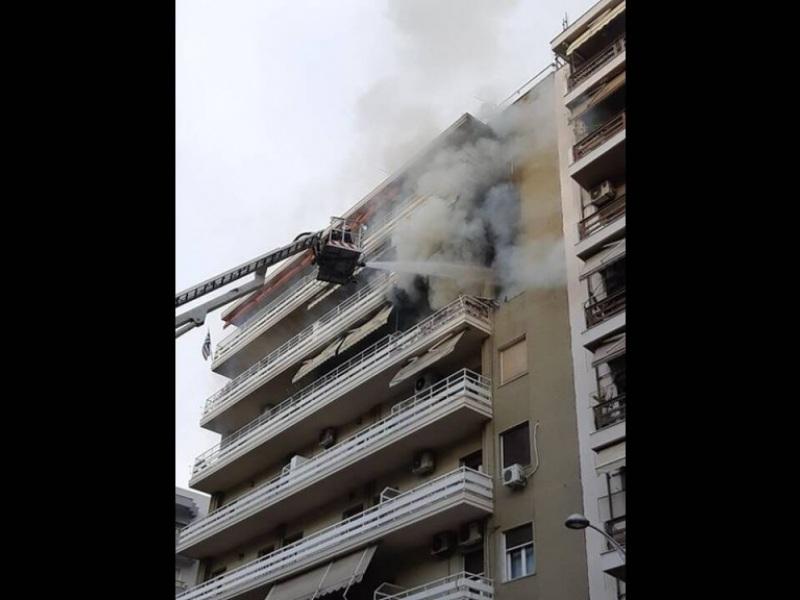 Φωτιά - διαμέρισμα (φωτογραφία voria.gr)