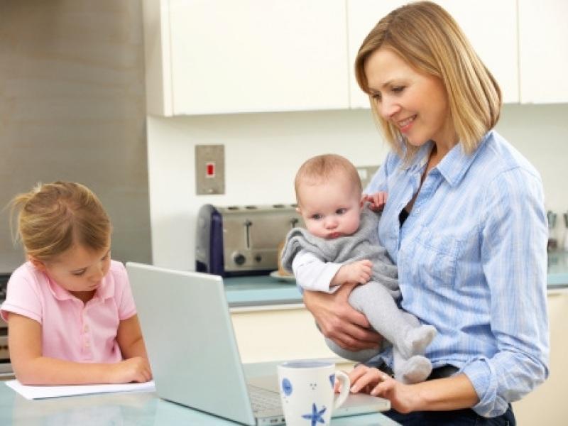 μητερα,παιδια,υπολογιστης