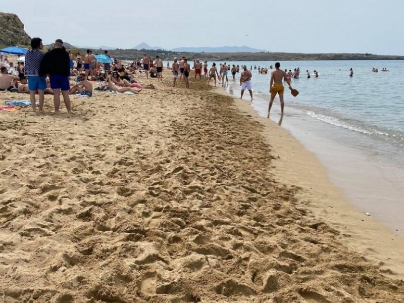 Οι Ηρακλειώτες κάνουν Πρωτομαγιά στις παραλίες