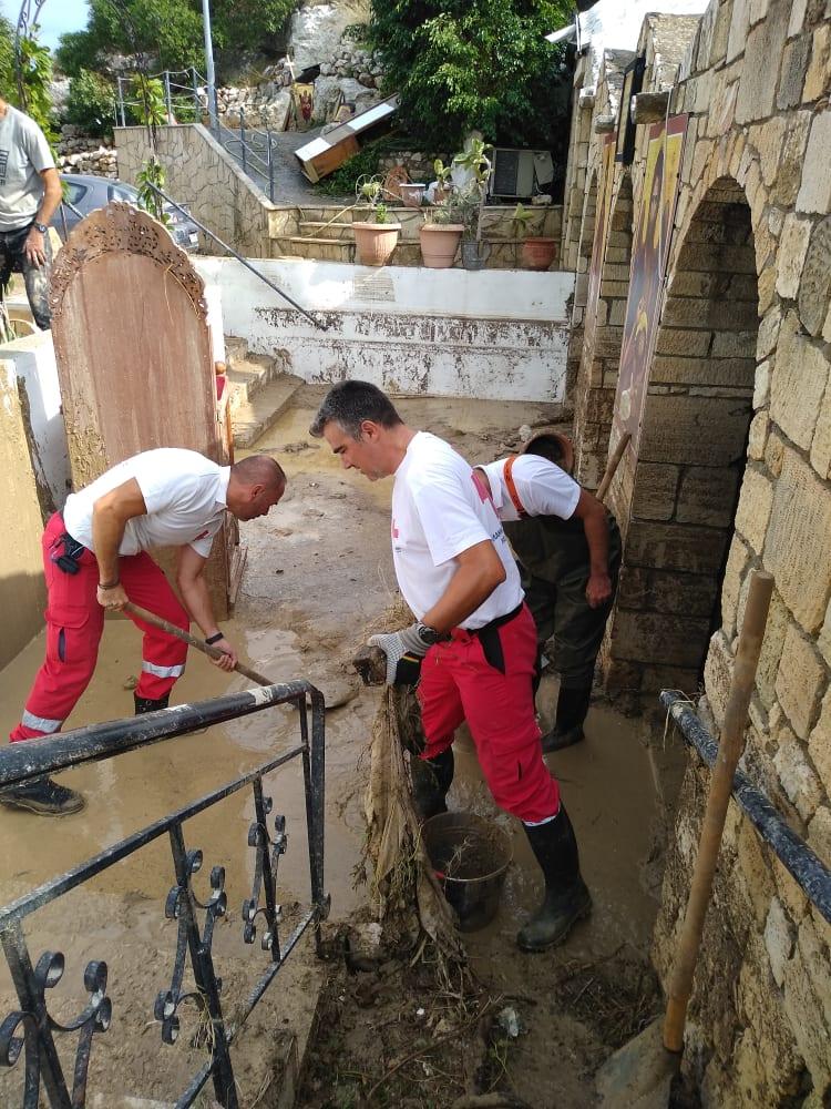 Ο Ελληνικός Ερυθρός Σταυρός ανταποκρίθηκε στην έκκληση του Ιερέα, η οποία έγινε μέσα από το Ράδιο Κρήτη.