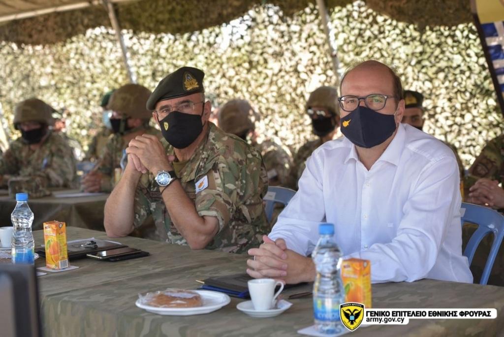 Την άσκηση παρακολούθησαν ο Υπουργός Άμυνας κ. Χαράλαμπος Πετρίδης συνοδευόμενος από τον Αρχηγό της Εθνικής Φρουράς, Αντιστράτηγο Δημόκριτο Ζερβάκη.