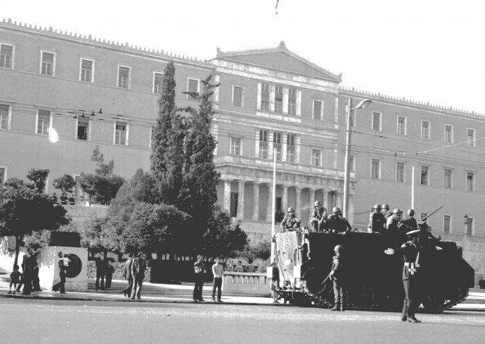 21η Απριλίου 1967 στη Βουλή (copyright: Eurokinissi)