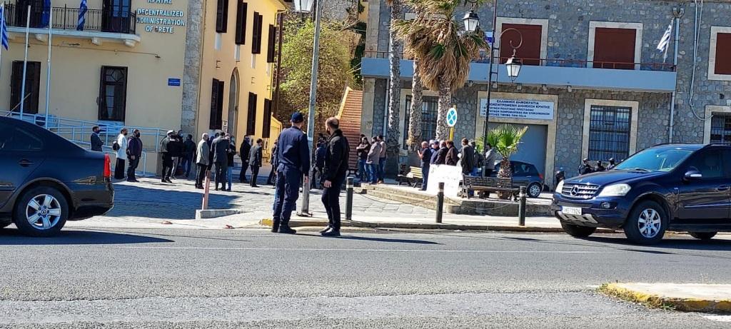 Στα γραφεία της Αποκεντρωμένης Διοίκησης Κρήτης βρέθηκε ο Υπουργός