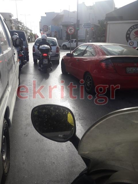 Κίνηση στους δρόμους του Ηρακλείου από νωρίς το πρωί