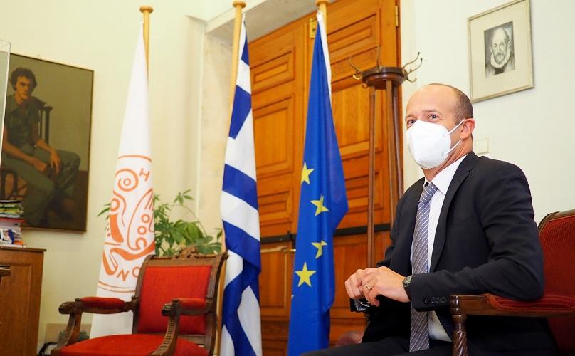 Ο κ. Hepps κατά την διάρκεια των επαφών που είχε με την τοπική αυτοδιοίκηση της Κρήτης συζήτησε θέματα ένταξης των δικαιούχων διεθνούς προστασία.