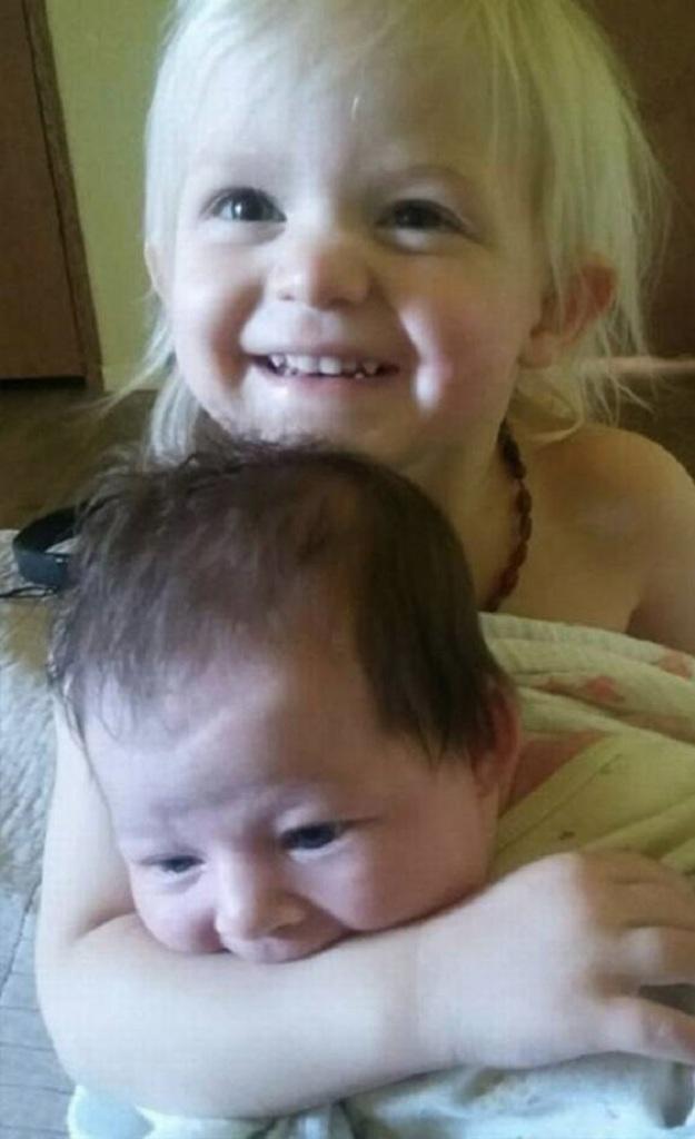 Η Amyah και ηCaraline.
