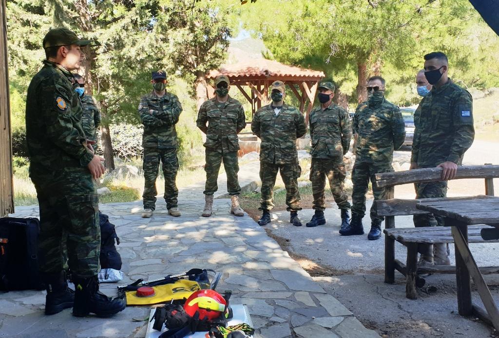 Μέλη της ΛΕΦΕΔ Ηρακλείου πραγματοποίησαν την πρώτη τους πυροφύλαξη για την φετινή περίοδο, στο δάσος της Κέρης του Δήμου Μαλεβιζίου.