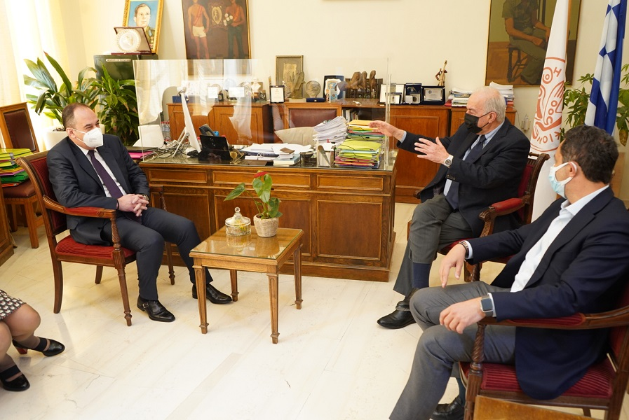 Από την επίσκεψη του Υπουργού στη Λότζια