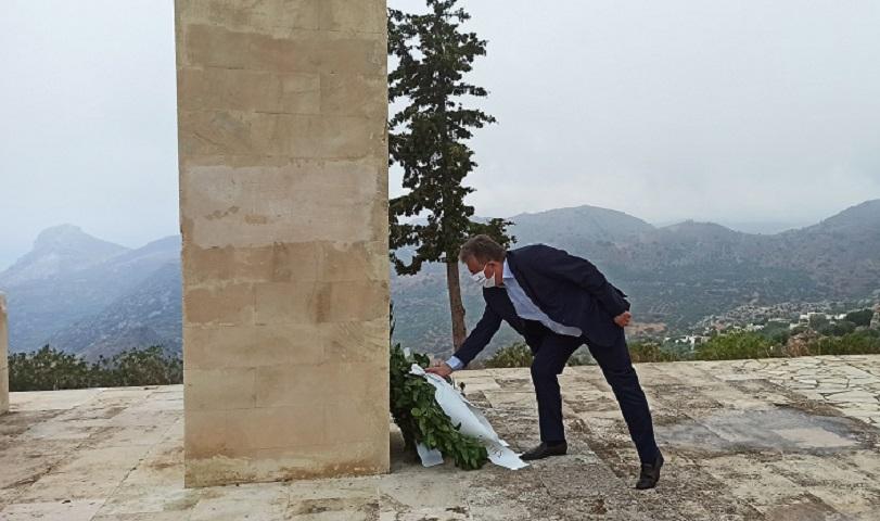 Κατάθεση στεφάνου από τον Περιφερειάρχη Κρήτης