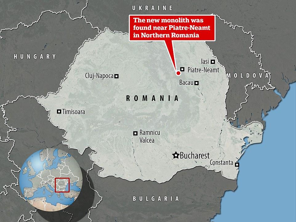 Ο μονόλιθος βρέθηκε σε λόφο στην πόλη Πιέτρα Νεμτ της Ρουμανίας