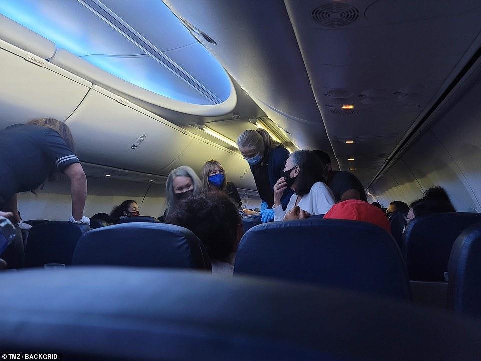 Πανικός ξέσπασε σε πτήση της United
