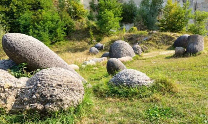 Μυστηριώδεις πέτρες στην Ρουμανία