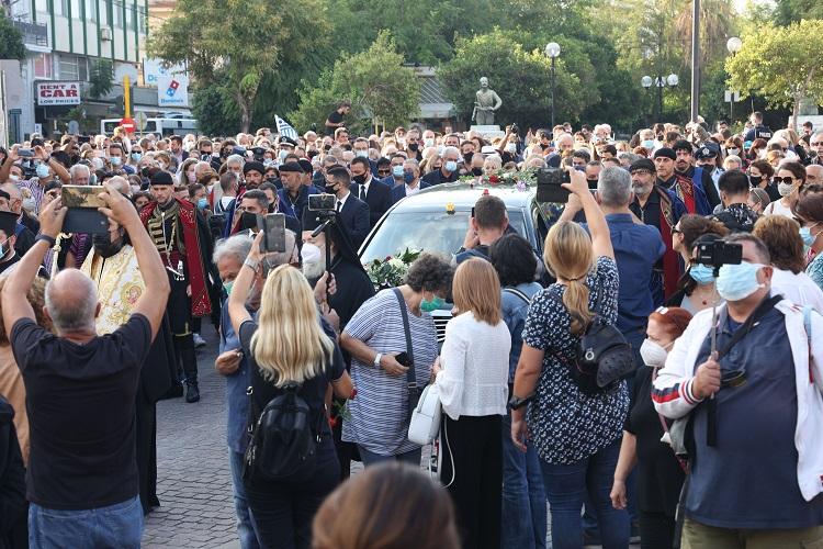 πλήθος κόσμου στην κηδεία του Μίκη Θεοδωράκη