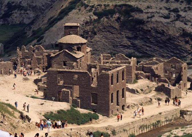 Το χωριό Φάμπρικα ντι Καρέτζινε