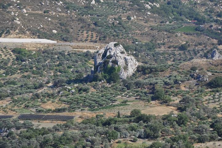 Ο βράχος Βότυρος στην Αγία Βαρβάρα