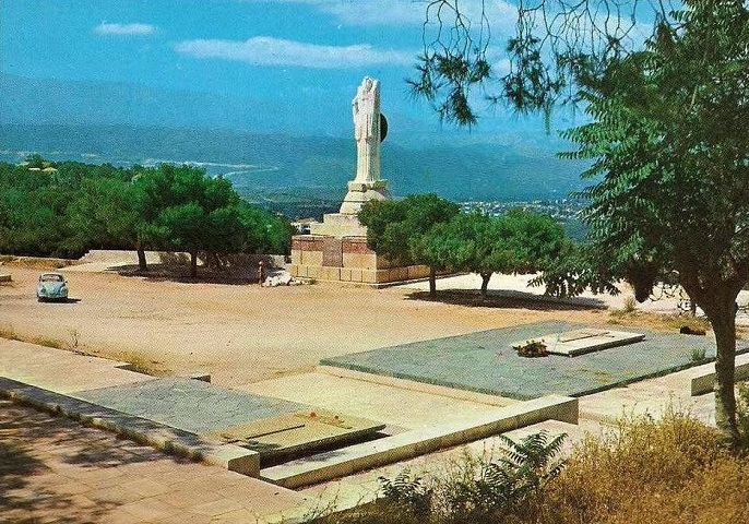 Άγαλμα της Ελευθερίας στα Χανιά - Μετά το χτύπημα του κεραυνού