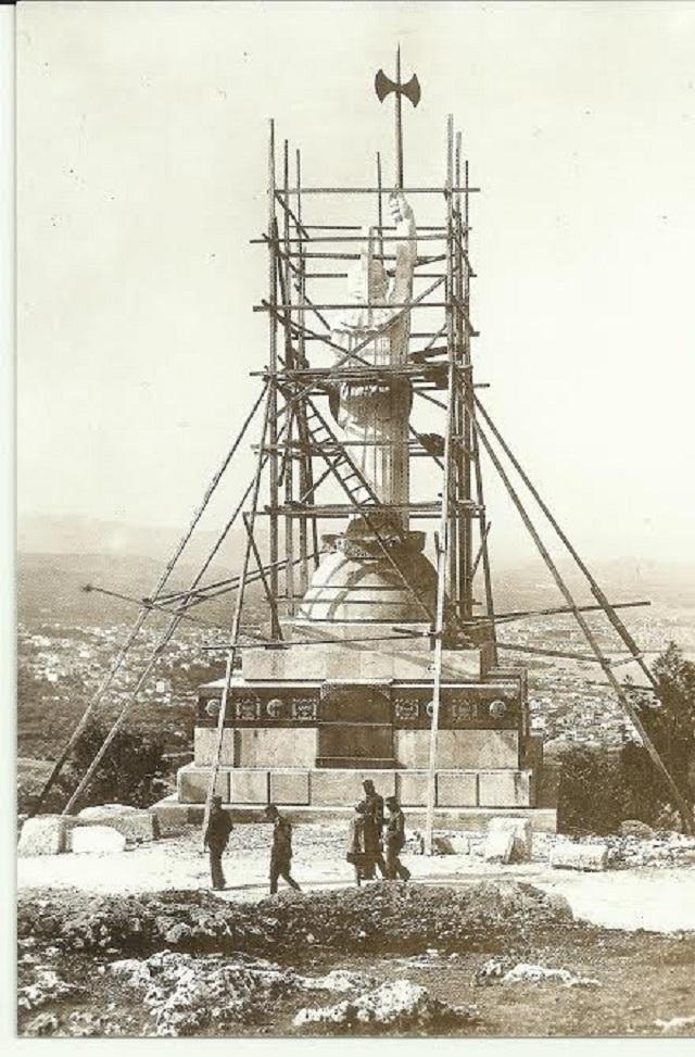 Άγαλμα της Ελευθερίας στα Χανιά - Υπό κατασκευή
