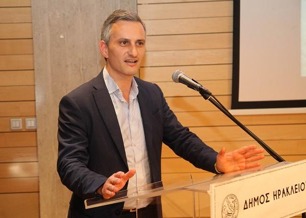 Ο Γιάννης Αναστασακης