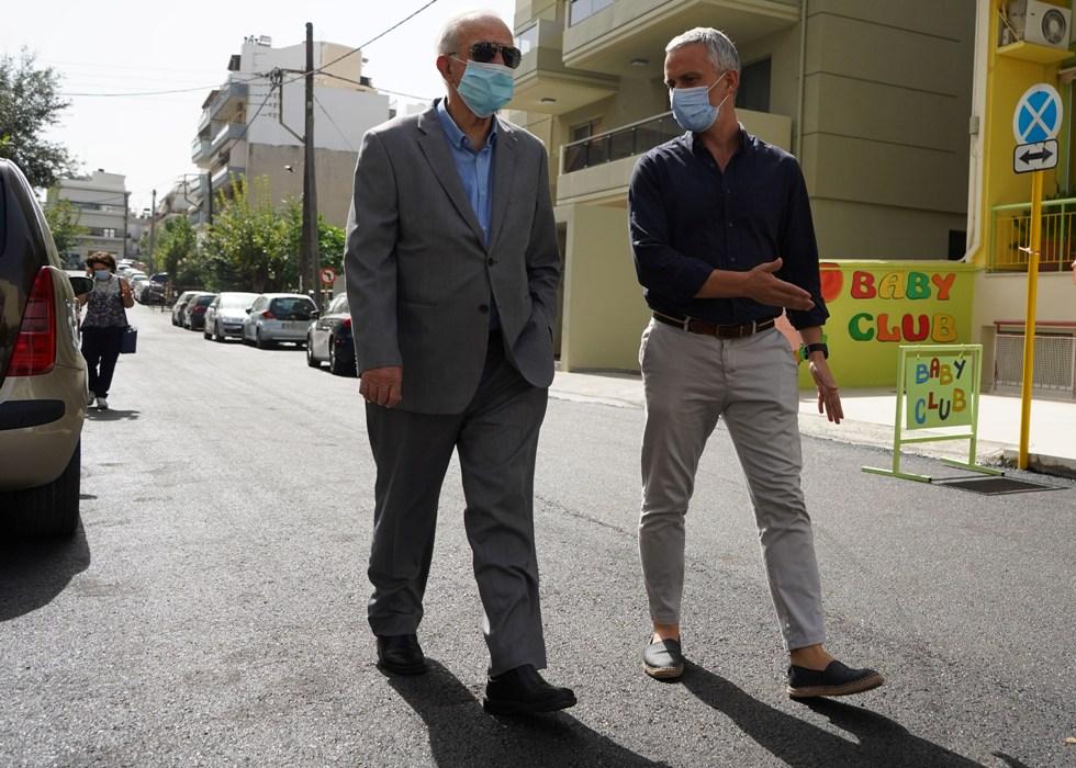 Ο Δήμαρχος Ηρακλείου Βασίλης Λαμπρινός και ο Αντιδήμαρχος Τεχνικών Έργων Γιάννης Αναστασάκης.