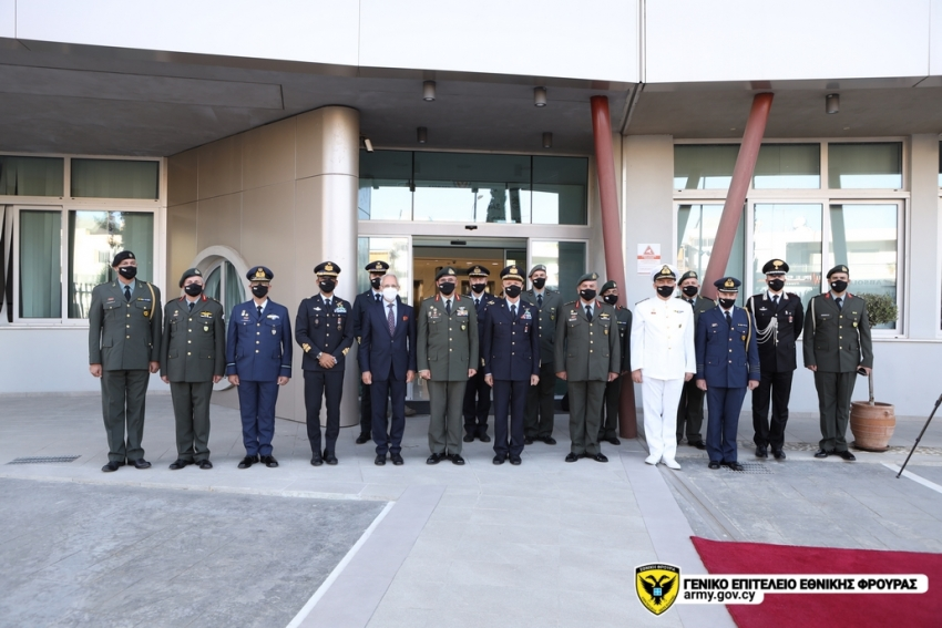 Ο Στρατηγός Vecciarelli είχε κατ' ιδίαν συνάντηση με τον Αρχηγό ΓΕΕΦ, Αντιστράτηγο Δημόκριτο Ζερβάκη ενώ του έγινε παρουσίαση-ενημέρωση από τους επιτελείς του ΓΕΕΦ.