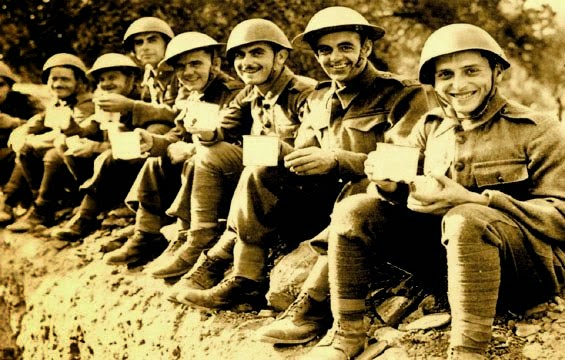 Έλληνες στρατιώτες και σύμμαχοι, λίγο πριν την Γερμανική Επίθεση στην Κρήτη.