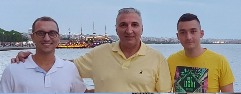 Οι δύο διαιτητές με τον Πρόεδρο του ΣΥΔΚΑΚ κ.Μαχαιριανάκη