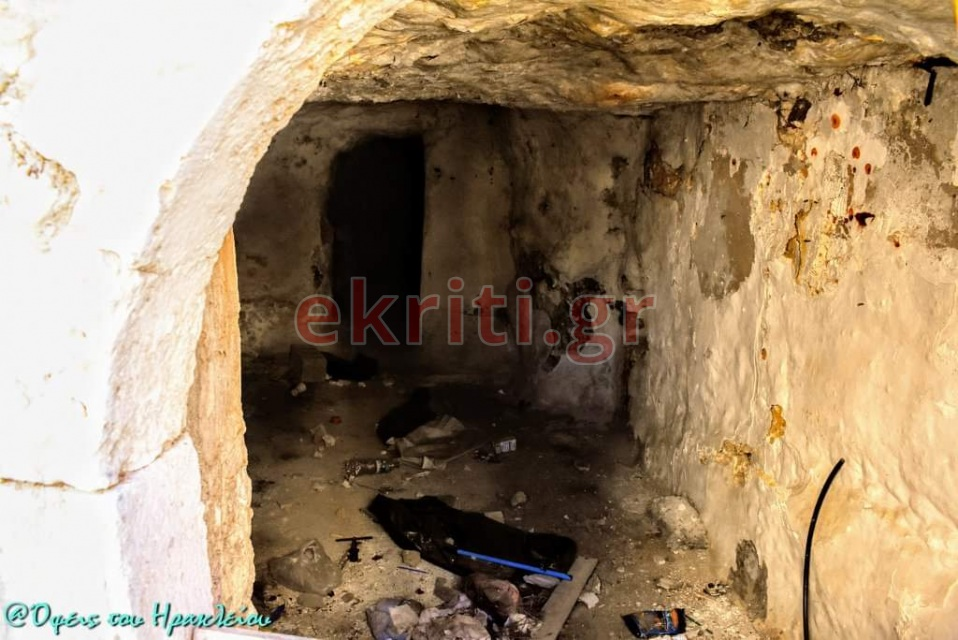 Σκουπίδια και υπολλείμματα από χρήσεις ναρκωτικών συνθέτουν το σκηνικό στο εσωτερικό των σπηλιών.