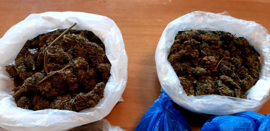 Τα ναρκωτικά βρέθηκαν μετά από αστυνομική επιχείρηση.