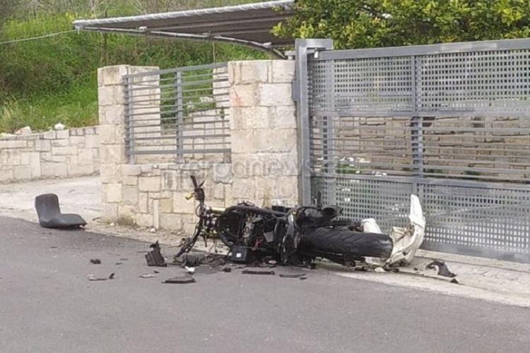 Η μοιραία μηχανή μετά το τροχαίο (φωτο zarpanews.gr)