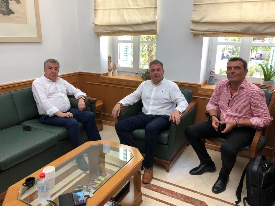 Από τη συνάντηση που πραγματοποιήθηκε στην Περιφέρεια Κρήτης.