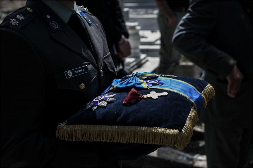 Η κηδεία του έγινε δημοσία δαπάνη με μέριμνα των Ενόπλων Δυνάμεων.