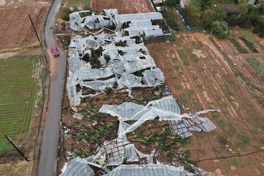 Οι καταστροφές στα θερμοκήπια των Μαλίων από ψηλά