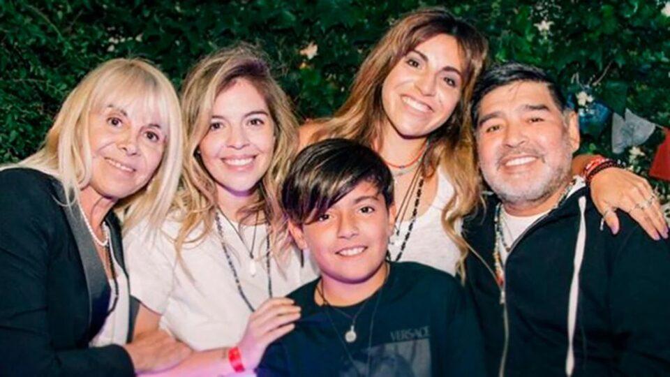 H οικογένεια του Μαραντόνα