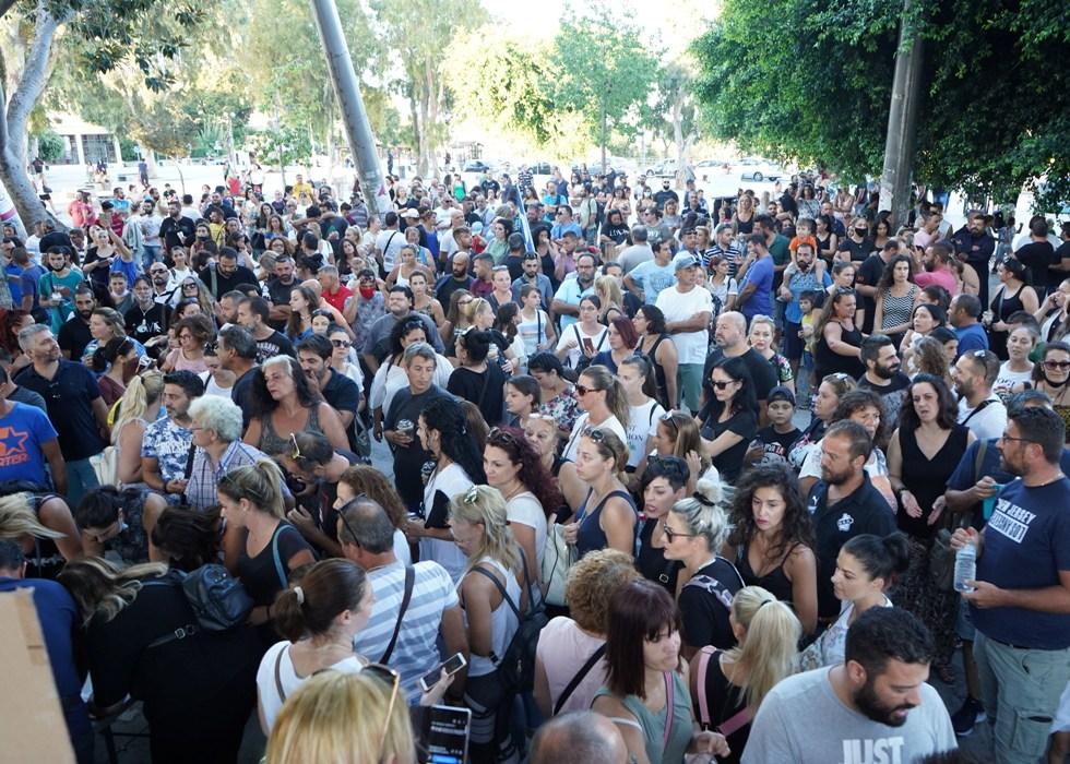 Μεγάλη συγκέντρωση στην πλατεία Ελευθερίας!