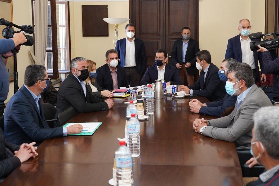 Από τη συνάντηση του υπουργού στην Αποκεντρωμένη διοίκηση