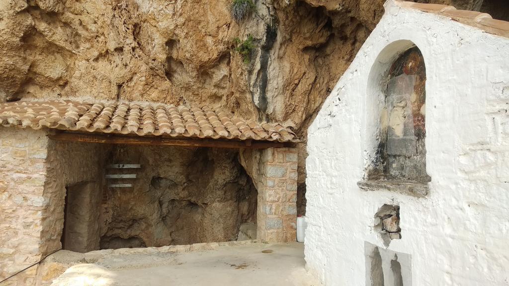 Ο τρούλος στην Ιερά μονή του Αγίου Δημητρίου