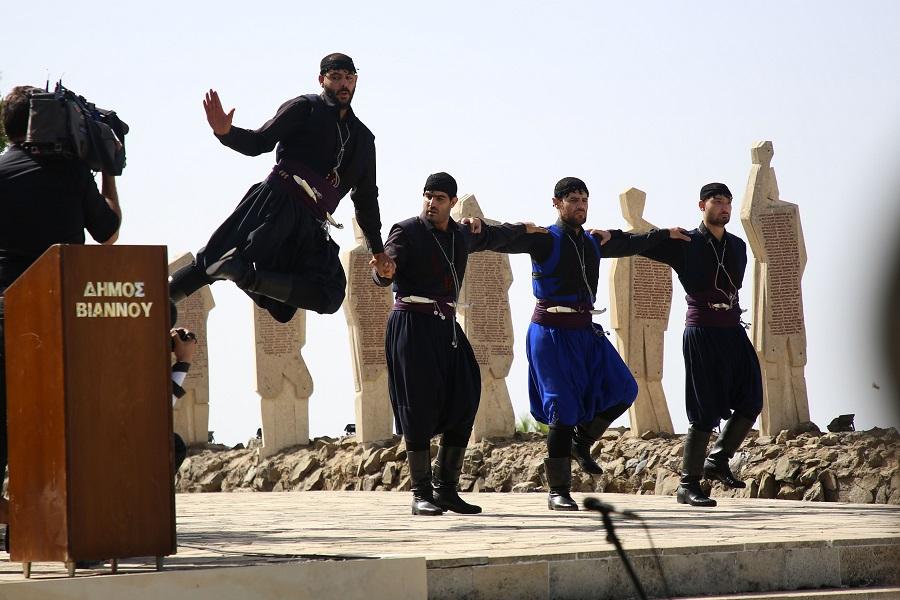 Κρητικοί παραδοσιακοί χοροί στις εκδηλώσεις