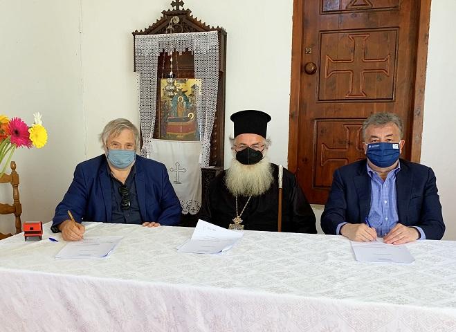 Ο κ. Αρναουτάκης υπογράμμισε πως είναι επιλογή της Περιφέρειας Κρήτης να στηρίξει την αναστήλωση και συντήρηση των Μοναστηριών του νησιού και των ιστορικών ναών