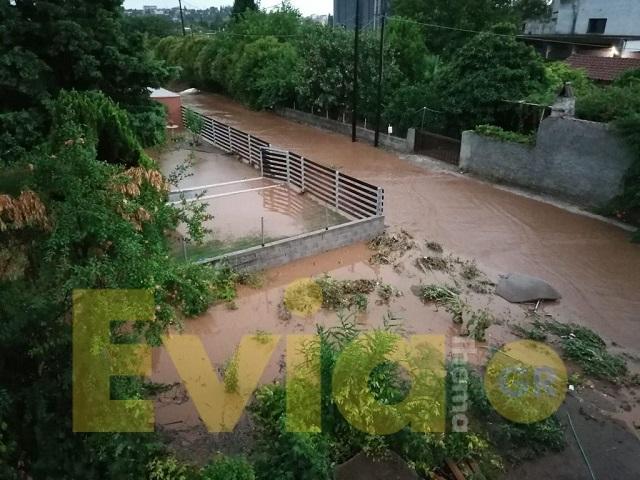 Εύβοια - Οι δρόμοι έχουν κλείσει