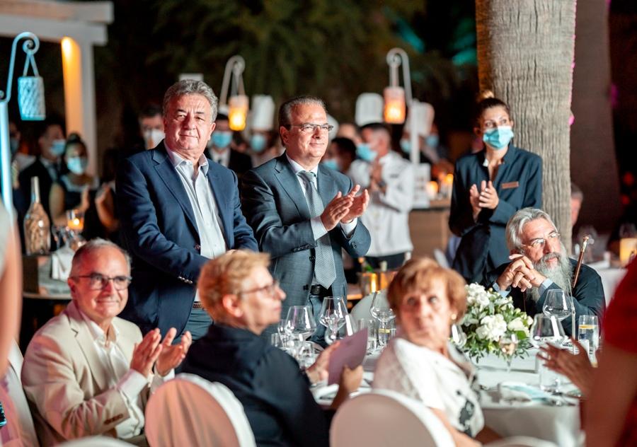 Στις τοποθετήσεις τους οι κ.κ. Περιφερειάρχης Κρήτης Σταύρος Αρναουτάκης και Δήμαρχος Ρεθύμνου Γιώργος Μαρινάκης τόνισαν τις πολυεπίπεδες σχέσεις που συνδέουν τους λαούς Ελλάδας Ρωσίας.