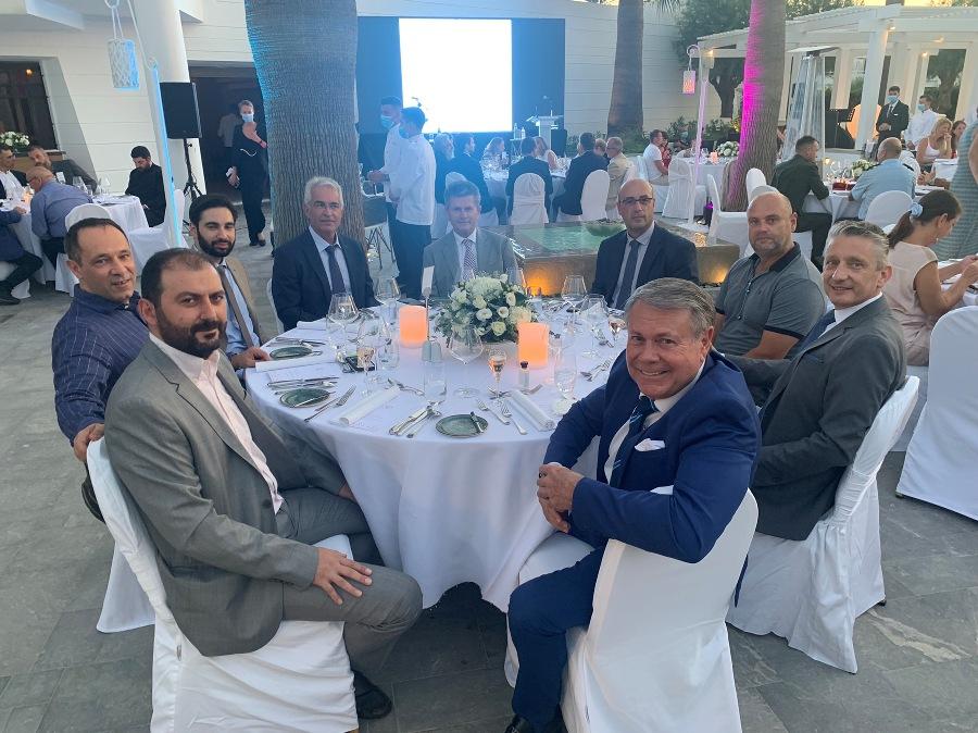 Πλήθος προσκεκλημένων στην εκδήλωση που έγινε στο πολυτελές ξενοδοχείο Grecotel Creta Palace.