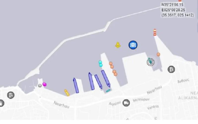 Το «Nautical Geo» βρίσκεται το μεσημέρι της Πέμπτης στο λιμάνι του Ηρακλείου.