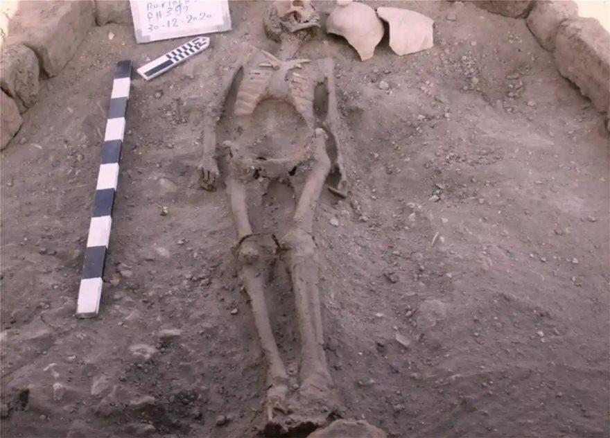 Η ανασκαφή έφερε στο φως αρχαίους σκελετούς