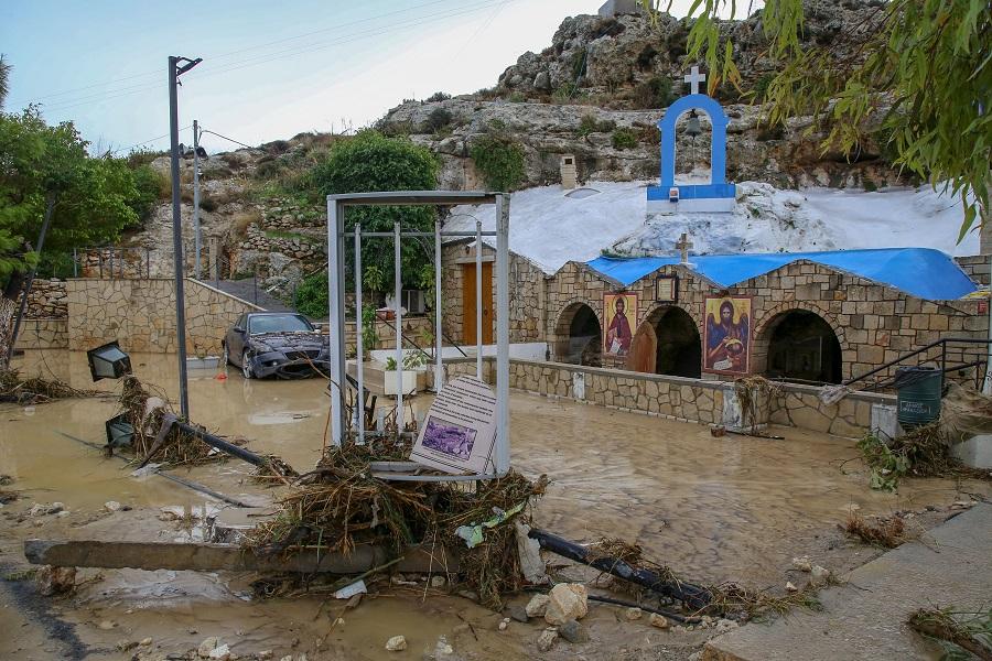 Το εκκλησάκι του Αγίου Ιωάννου Προδρόμου δεν άντεξε τη μανία του νερού