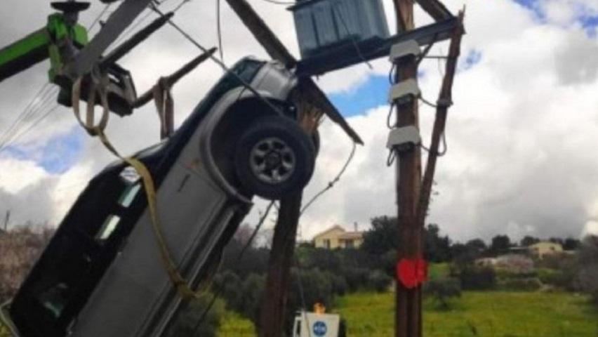 Ο οδηγός οχήματος σκαρφάλωσε στην κυριολεξία πάνω σε πάσσαλο της Αρχής Ηλεκτρισμού Κύπρου