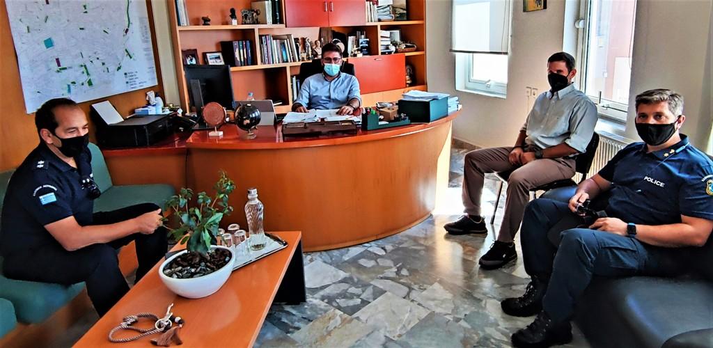 Από τη συνάντηση του Δημάρχου Μαλεβιζίου με το νέο Διοικητή του Α.Τ. της περιοχής.