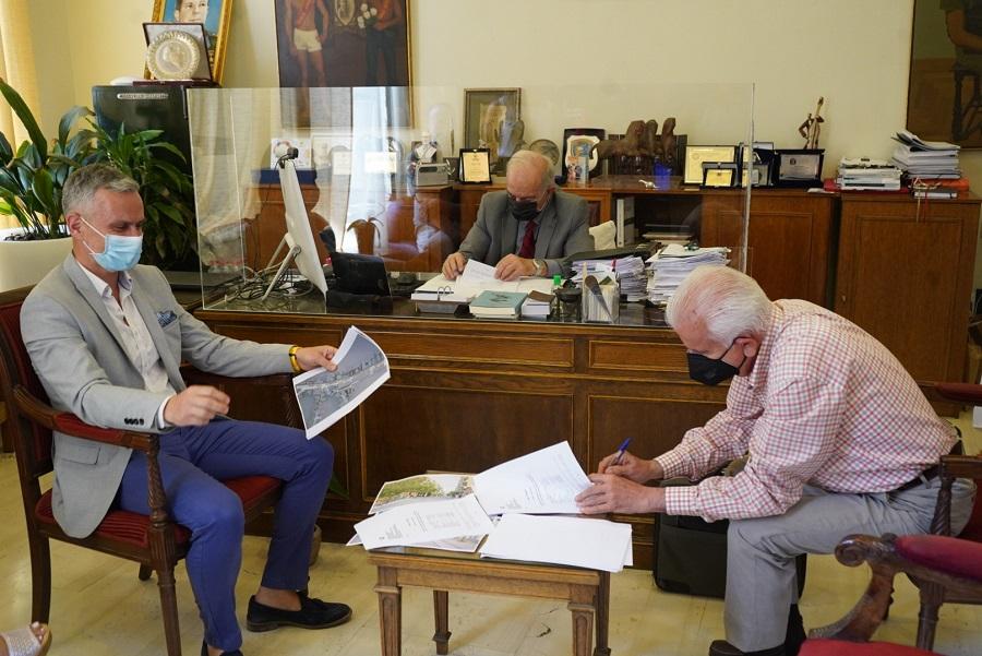 Από την υπογραφή της σύμβασης